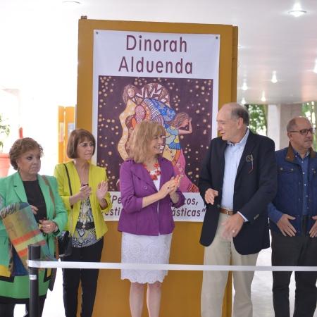 """La creadora artística Dinorah Alduenda Apellaniz inauguró, en las instalaciones del Palacio Legislativo, la exposición pictórica: """"Personajes Mágicos, Vestimentas Fantásticas""""."""